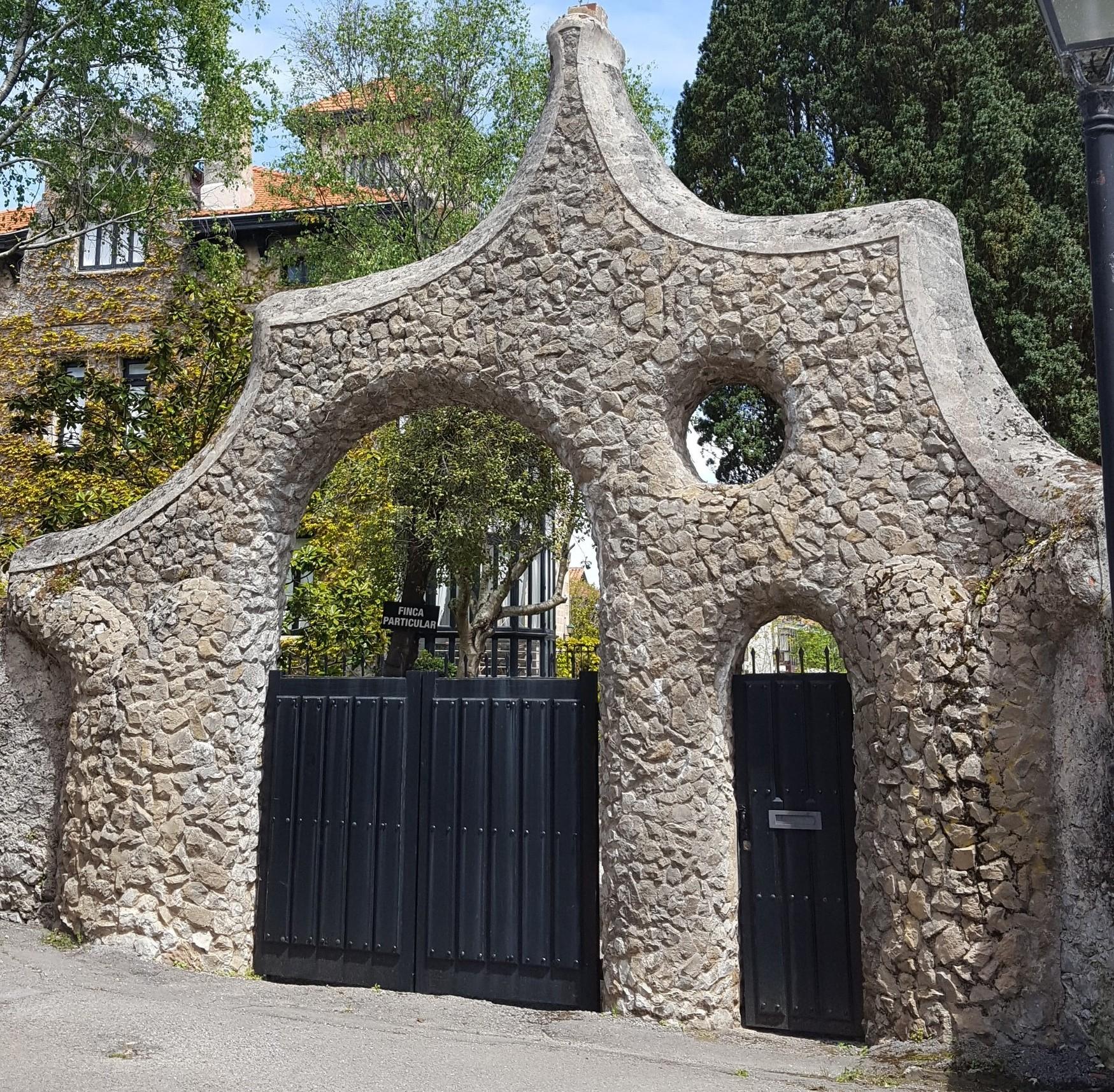 Portada Casa Moro (A. Gaudí) / Gemma Bedia