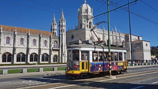 tram-3270623__340